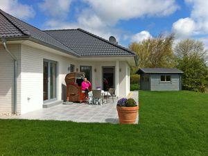 Ferienwohnung für 4 Personen ab 120 € in Warwerort
