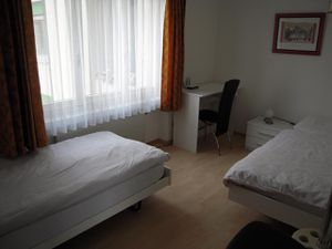 439677-Ferienwohnung-4-Weggis-300x225-5