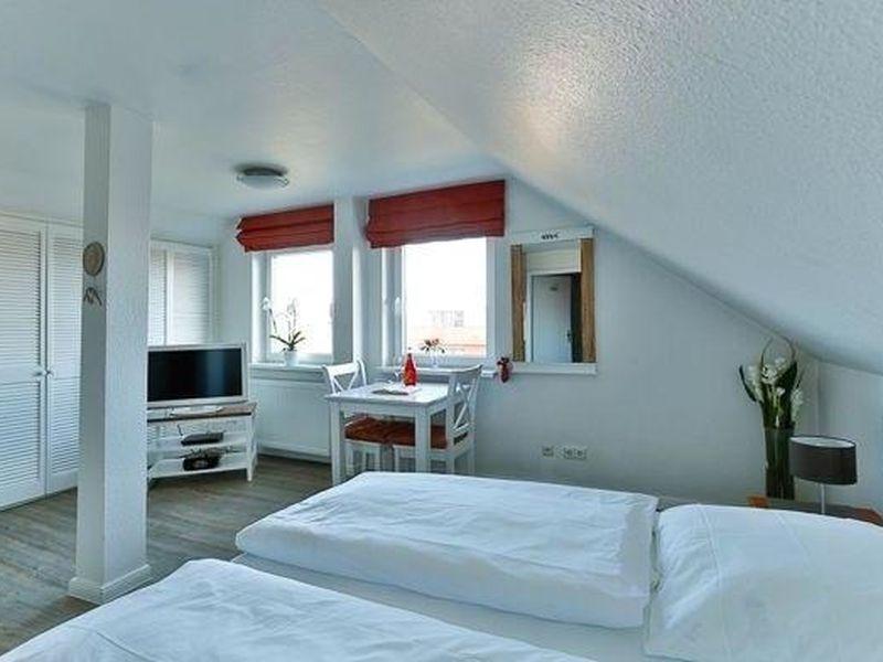 18712354-Ferienwohnung-2-Wenningstedt-800x600-2