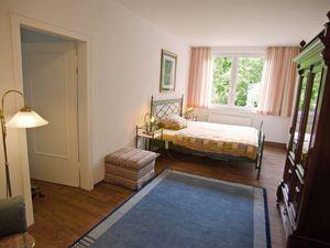 19287650-Ferienwohnung-2-Westerstede-300x225-11