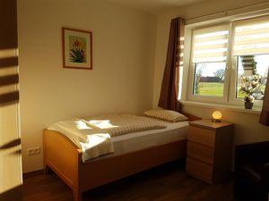 19375660-Ferienwohnung-4-Westerstede-300x225-21
