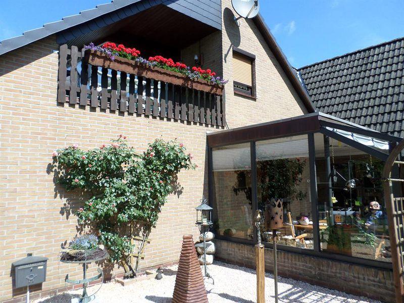 19325446-Ferienwohnung-4-Wiefelstede-800x600-0