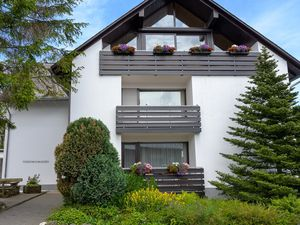 22142225-Ferienwohnung-6-Winterberg-300x225-3