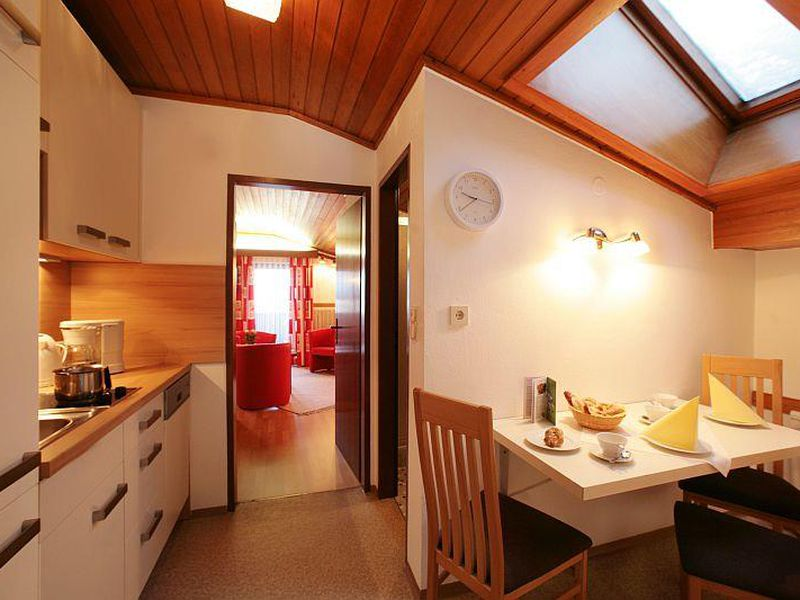 ferienwohnung f r 3 personen 0 m ab 50 id 864258 zell am see. Black Bedroom Furniture Sets. Home Design Ideas