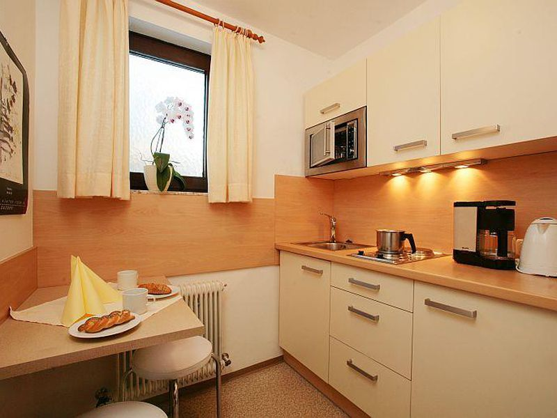 ferienwohnung f r 2 personen 0 m ab 42 id 864257 zell am see. Black Bedroom Furniture Sets. Home Design Ideas