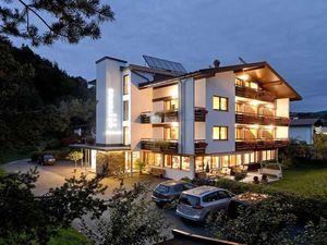 Mehrbettzimmer für 3 Personen (23 m²) ab 44 € in Kössen