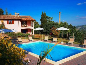 Villa für 8 Personen (110 m²) ab 123 € in Acqualagna