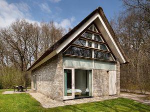 Villa für 6 Personen (150 m²) ab 46 € in De Wolden