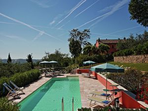 Villa für 10 Personen (180 m²) ab 268 € in Mondavio