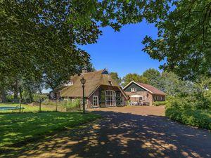 Villa für 9 Personen ab 257 € in Rheezerveen