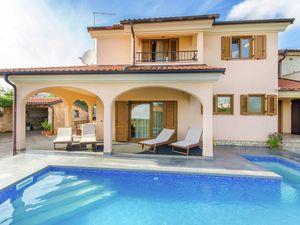 Villa für 6 Personen (220 m²) ab 170 € in Rovinjsko Selo