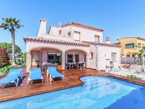 Villa für 9 Personen (213 m²) ab 216 € in Sant Pere Pescador