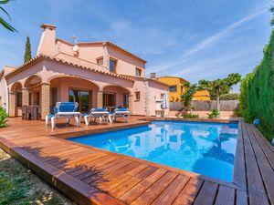 19342985-Villa-9-Sant Pere Pescador-300x225-1