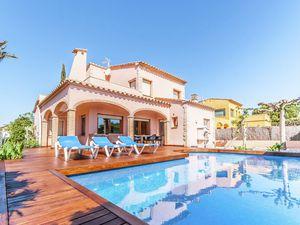 19342985-Villa-9-Sant Pere Pescador-300x225-2