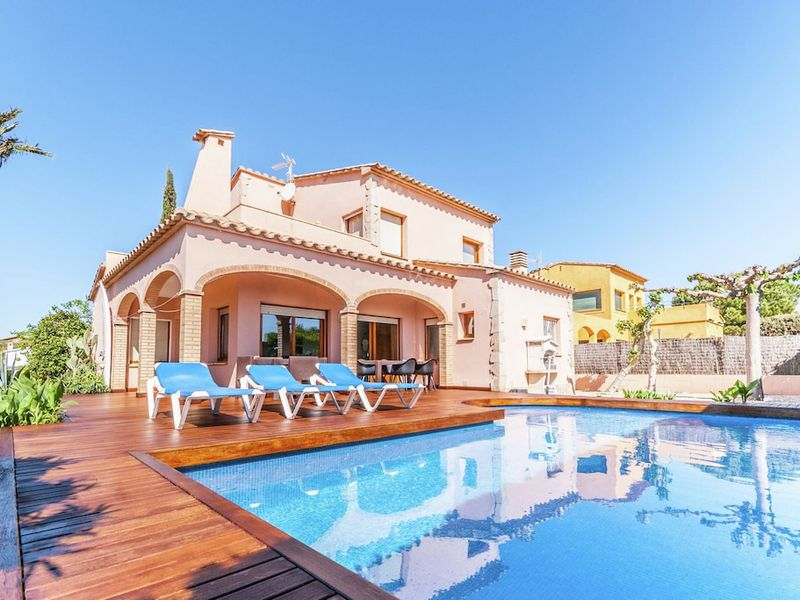 19342985-Villa-9-Sant Pere Pescador-800x600-2